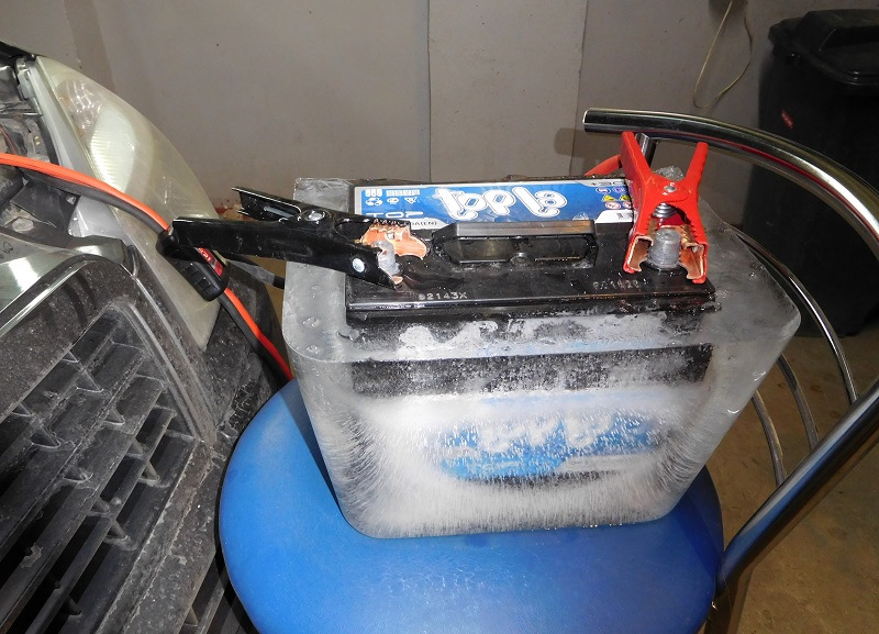 Аккумулятор Topla Top внутри ледяного блока